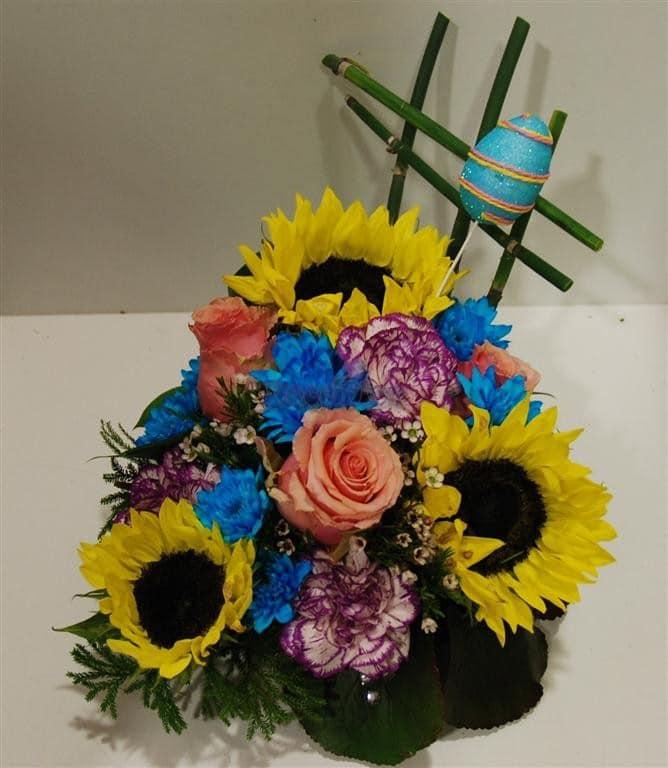 Arranjo Floral Pascoa com Girassois