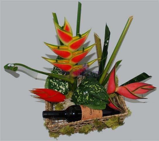 Cesto tropical com garrafa vinho
