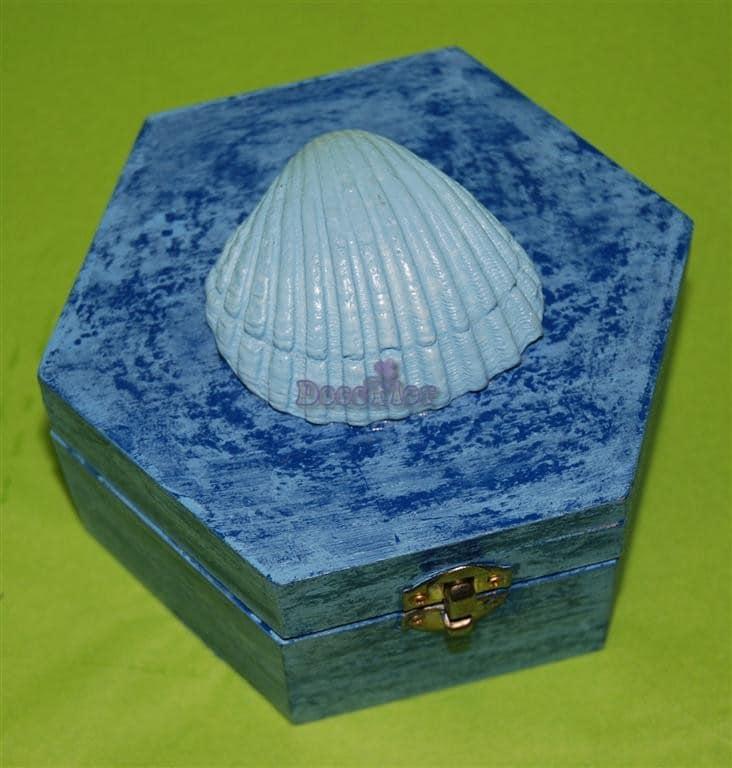 Caixinha de Madeira com concha