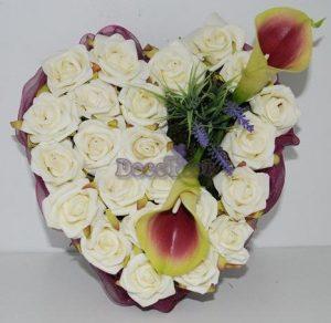 Coração rosas e jarros (artificial)