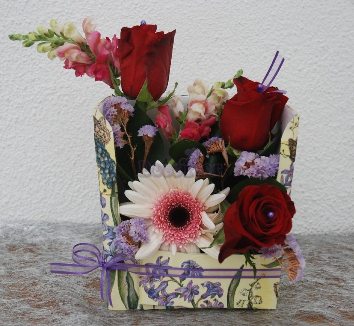 Flores em caixa